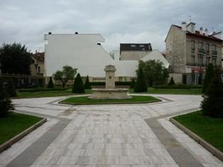 fontaine16_puteaux_square du theatre.jpg
